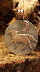 horse pendant finished