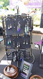 earrings display 3