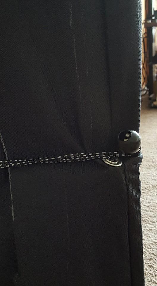 grommet bungee ball tie